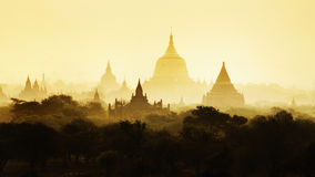 Templen av Bagan, Mandalay, Myanmar, Burma royaltyfria foton