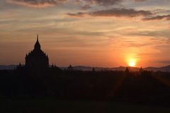 Temples antiques de Bagan au coucher du soleil, Mandalay, Myanmar Photo stock