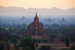 Temples in Bagan, Myanmar. Bagan is an archaeological zone of more than 2,000 ancient pagodas. It was built in 11th centuries during the rise of Bagan empire Stock Photo
