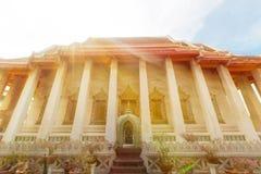 Temples bouddhistes à Bangkok, Thaïlande photos stock