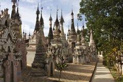 Temples de Kakku, Myanmar_Detail Photo stock