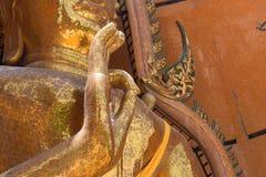 Temples de Wat Tham Seua, thaïlandais et chinois Photos libres de droits
