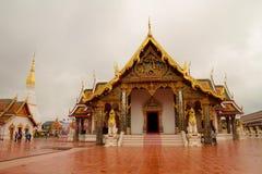 Templet är härlig i Thailand för lopp Arkivfoto