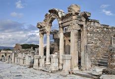 Templet av Hadrian, Ephesos, Turkiet Royaltyfri Foto