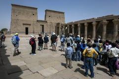 Templet av Isis på ön av Philae (den Agilqiyya ön) i Egypten royaltyfri foto