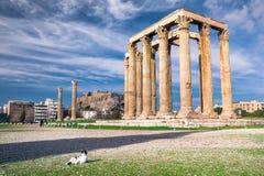 Templet av olympiska Zeus Greek: Naos-tou Olimpiou Dios, också som är bekant som Olympieionen, Aten arkivbilder