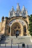 Templet Expiatori del Sagrat Cor på toppmötet av monteringen Tibidabo i Barcelona, Catalonia, Spanien arkivbild
