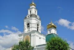 Templet i hedern av omgestaltningen av Herren Uktus Ekaterinburg Royaltyfri Fotografi
