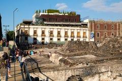 Templo市长,一个主要阿兹台克寺庙的废墟在墨西哥城 免版税库存图片