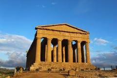 Templo antigo da concórdia no vale dos templos, Agrigento, Itália imagens de stock