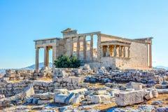 Templo antigo de Erechtheion em Atenas, Grécia imagens de stock