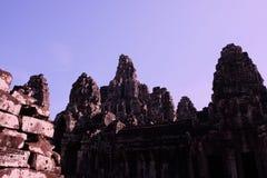 Templo antigo monumental de Bayon em Camboja Templo medieval em Indochina Arte arquitetónica de civilizações antigas Bayon fotos de stock
