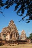 Templo antiguo con la mala hierba en ella Foto de archivo libre de regalías