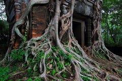 Templo antiguo de la adoración de Camboya Fotos de archivo libres de regalías