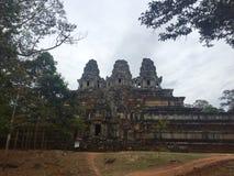 Templo antiguo de lejos Fotos de archivo libres de regalías
