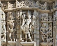 Templo antiguo de Sun en Ranakpur. Talla Jain del templo. Imagen de archivo libre de regalías