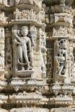 Templo antiguo de Sun en Ranakpur. Talla Jain del templo. Fotografía de archivo libre de regalías