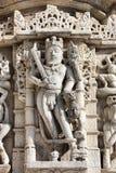 Templo antiguo de Sun en Ranakpur. Talla Jain del templo. Fotos de archivo libres de regalías