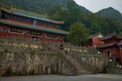 Templo antiguo del kungfu en la montaña China de Wudangshan foto de archivo