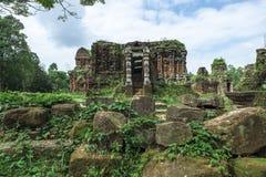 Templo arruinado do Champa antigo Fotografia de Stock