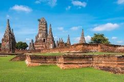 Templo arruinado, Wat Chai Wattanaram, en el parque histórico de Ayutthaya Foto de archivo libre de regalías