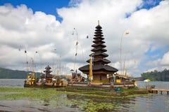 Templo Bali de Pura Ulun Danu Imagenes de archivo