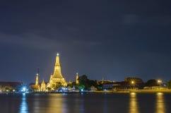Templo Bangkok Tailandia del arun de Wat Fotos de archivo libres de regalías