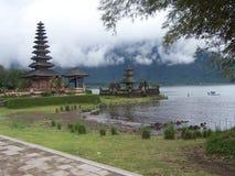 Templo batan bali do ulum do dulu de Pura Foto de Stock Royalty Free
