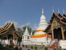 Templo blanco colorido en Chiang Mai en Tailandia, Asia fotos de archivo libres de regalías