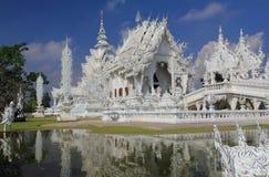 Templo blanco en Chiang Rai Imagenes de archivo