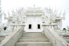Templo blanco en la provincia de Chiang Rai de Tailandia 4 Foto de archivo