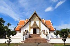Templo blanco en Nan, Tailandia Foto de archivo