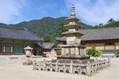Templo bonito exterior, Coreia do Sul de Haeinsa fotografia de stock