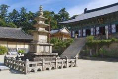 Templo bonito exterior, Coreia do Sul de Haeinsa foto de stock