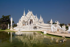 Templo branco em Chiang Rai Fotos de Stock Royalty Free