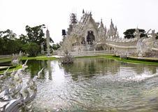 Templo branco Wat Rong Khun Fotografia de Stock