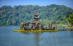 Templo bratan en Bali, Indonesia del danu del ulun de Pura imagenes de archivo