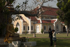 Templo budista a arquitetura da igreja (Wat Niwet Thamma Imagens de Stock Royalty Free