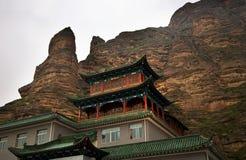 Templo budista China del alcohol brillante de Binglin Si Imágenes de archivo libres de regalías