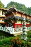 Templo budista chino de la cueva de las pinzas de Sam Poh Fotografía de archivo