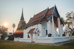 Templo budista con la pagoda vieja en Sukhothai Imagen de archivo
