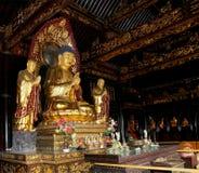 Templo budista Estatua de oro de Buda-- Xian (Sian, Xi'an), China Foto de archivo