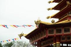 Templo budista Indicador chinês vermelho das lanternas, tomado nas celebrações chinesas do ano novo Vermelha é a cor afortunada p imagens de stock royalty free