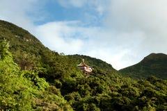 Templo budista nas montanhas Imagens de Stock