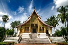 Templo budista no complexo de Kham do espinho (Royal Palace) foto de stock
