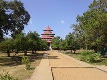 Templo budista no seruwawia Sri Lanka imagens de stock