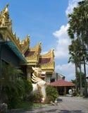 Templo burmese de Dharmikarama, Malasia imagenes de archivo