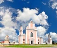 Templo católico hermoso construido en estilo clásico imágenes de archivo libres de regalías