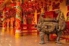 Templo chinês na cidade de Phuket, Tailândia imagens de stock