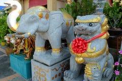 Templo chinês no cais de Nonthaburi Fotografia de Stock Royalty Free